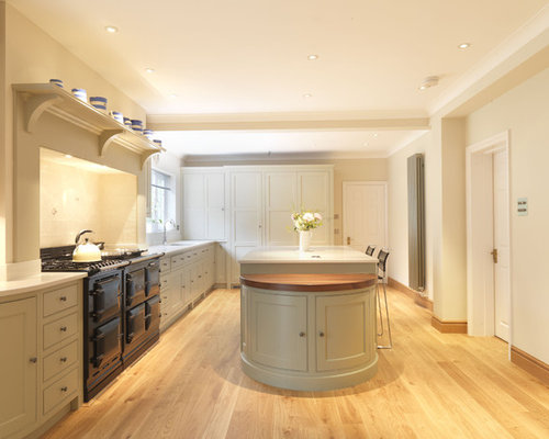 Large Traditional U Shaped Eat In Kitchen Idea In Hampshire With Shaker Cabinets
