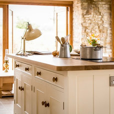 Traditional Kitchen by Sustainable Kitchens