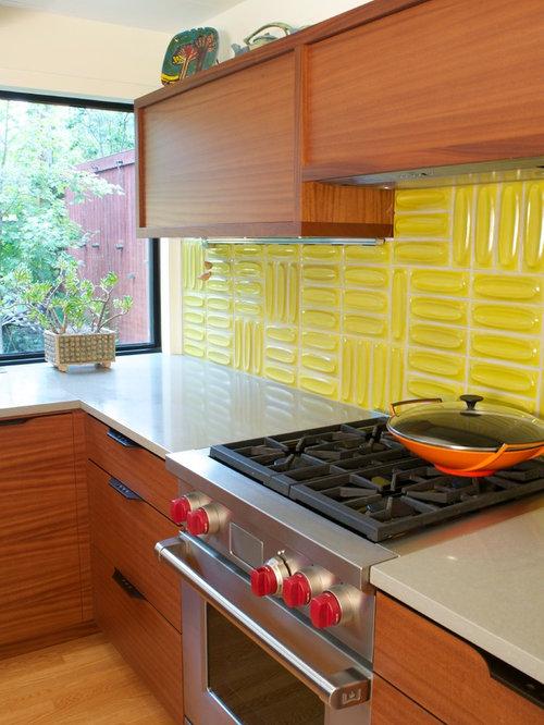 Midcentury U-shaped Kitchen Pantry Design Ideas ...