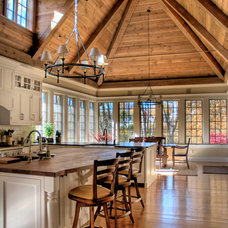 traditional kitchen by Foley Beam Architecture
