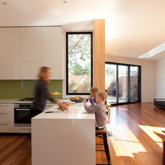 contemporary kitchen by Chan Architecture Pty Ltd