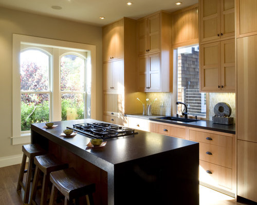 Kitchen   Contemporary Kitchen Idea In San Francisco With Medium Tone Wood  Cabinets