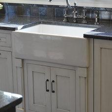 Modern Kitchen by Weaver Custom Homes