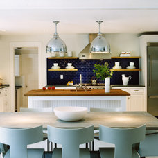 Beach Style Kitchen by Barnes Vanze Architects, Inc