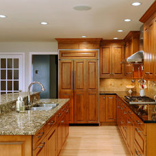 Traditional Kitchen by Courthouse Contractors / Kitchens & Baths