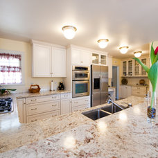 Traditional Kitchen by All Pro Builders Inc.