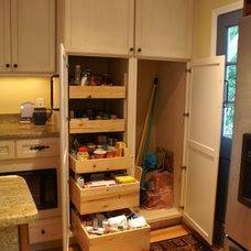 Traditional Kitchen by Rebekah Frye