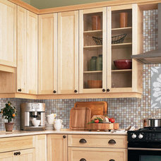 Traditional Kitchen by Mosaic Loft