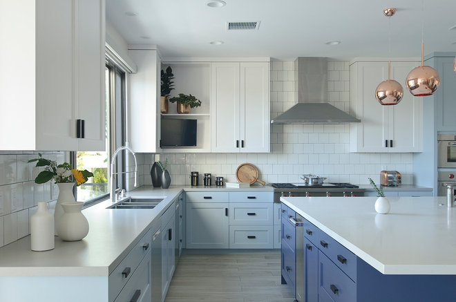 Beach Style Kitchen by Adrian Valle Photography
