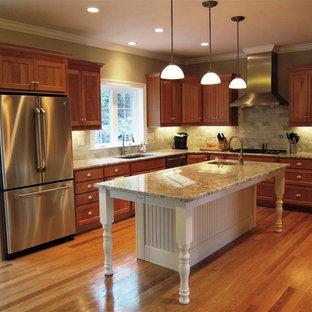Kitchen ideas - Example of a kitchen design in Bridgeport