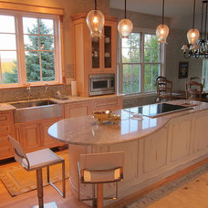 Contemporary Kitchen by Advantage Contracting