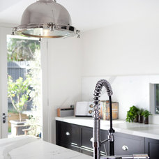 Contemporary Kitchen by Amanda Ayres Interiors