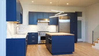 Akansas Blue Contemporary Kitchen
