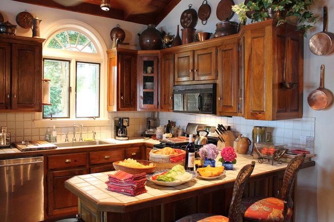 Traditional Kitchen by Lauren Mikus