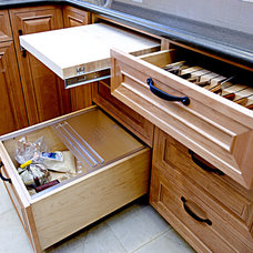 Traditional Kitchen by Design Set Match