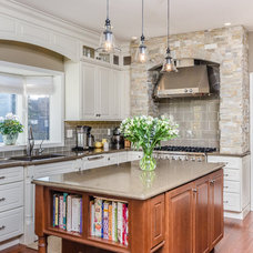 Traditional Kitchen by K&W Interiors
