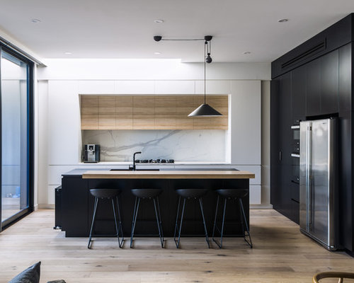 Mid Sized Modern U Shaped Eat In Kitchen In Melbourne With Flat