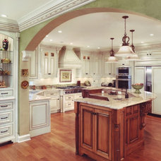 Traditional Kitchen by Albrecht Wood Interiors