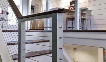 Alexandria, VA: Indoor Natural Aluminum Posts & Top Rail Support