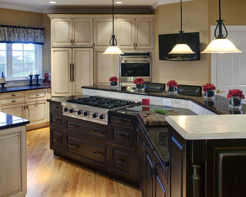 Center island with stove houzz for Center kitchen island ideas