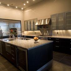 Contemporary Kitchen by Interior Motives