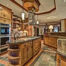 Craftsman Kitchen by Ballard + Mensua Architecture