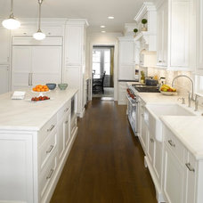 Traditional Kitchen by LS Kitchens
