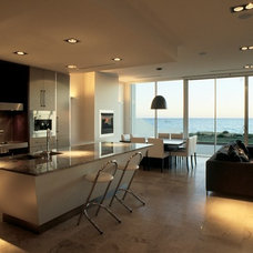 Contemporary Kitchen by Allan Carter Cabinetmaking