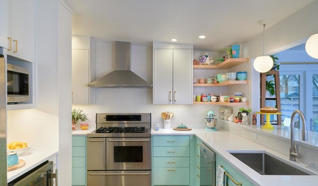 Kitchen of the Week: Minty Cabinets Transform a  Dated Space