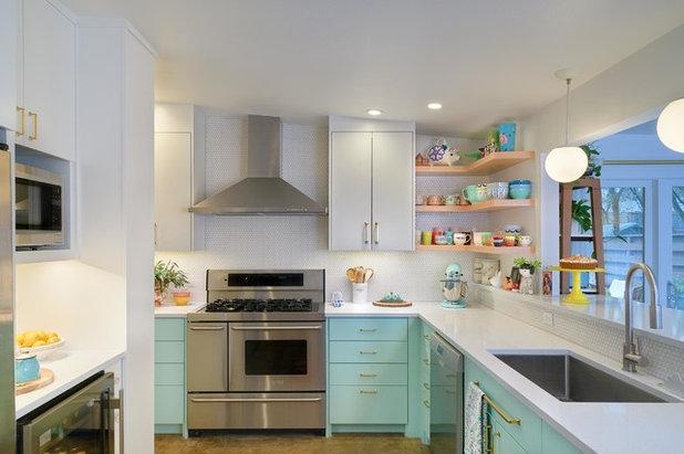 Midcentury Kitchen by CG&S Design-Build