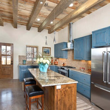 Rustic Kitchen by True North Builders