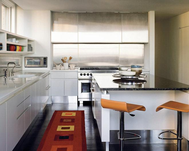 Modern Kitchen by Dirk Denison Architects