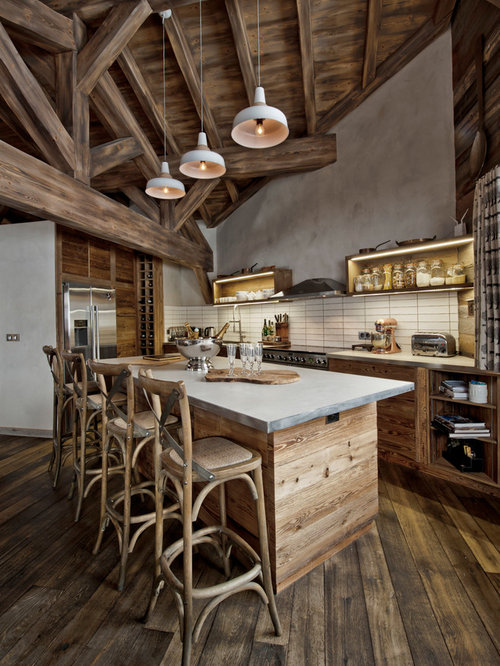 Mid Sized Rustic L Shaped Eat In Kitchen Idea London With A