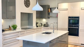 Alpine White and Slate Grey Two Tone High Gloss Kitchen with Quartz Worktops