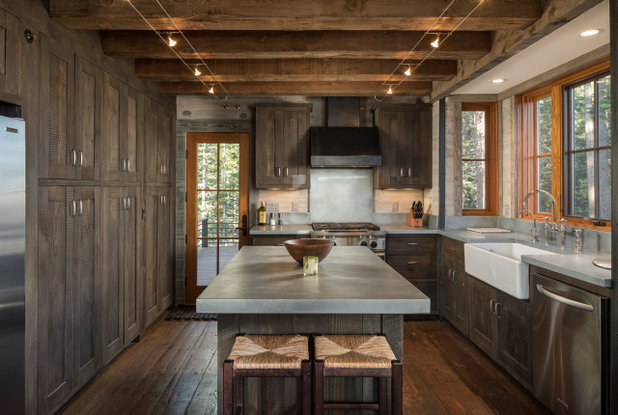 Rustic Kitchen by MHK Architecture and Planning - Aspen