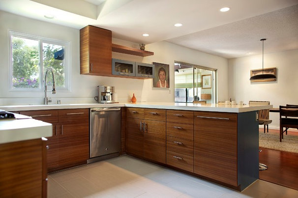 Midcentury Kitchen by FORESIGHT Design-Remodel Inc