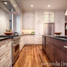 Contemporary Kitchen by Veranda Estate Homes & Interiors