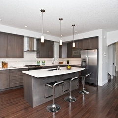 modern kitchen by Sagebrook Developments Inc.