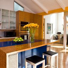 Contemporary Kitchen by BiLDEN