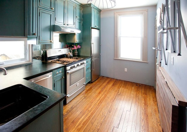 Kitchen of the Week: Turquoise Cabinets Snazz Up a Space ...
