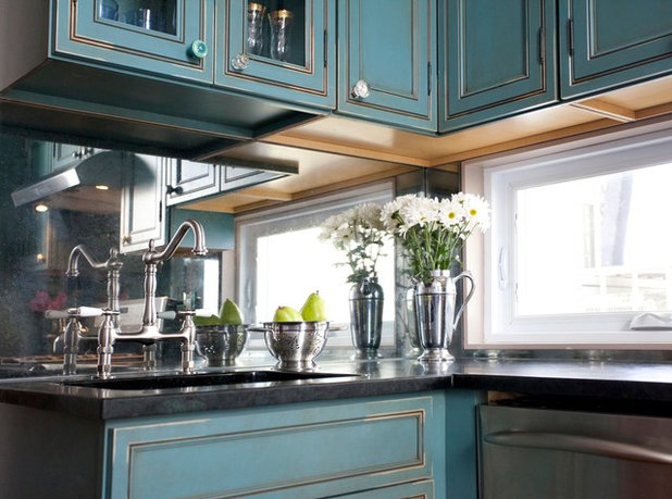 Kitchen of the Week: Turquoise Cabinets Snazz Up a Space-Savvy Eat-In