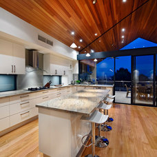 Modern Kitchen by Cambuild