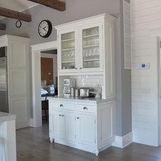 Eclectic Kitchen Amagansett Beach White Kitchen
