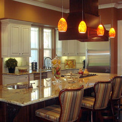 traditional kitchen by AB HOME Interiors