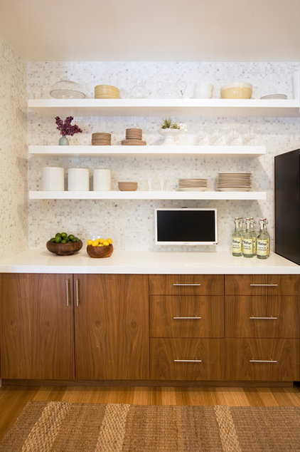 Contemporary Kitchen by Michelle Drewes