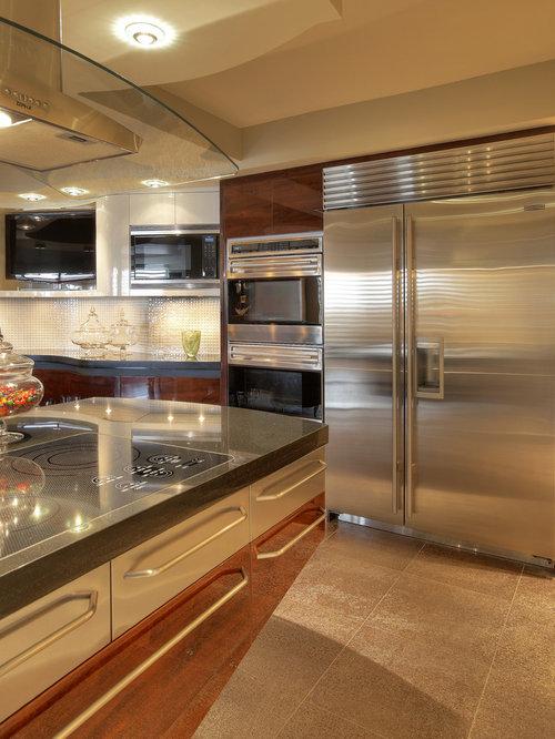 Tr s grande cuisine avec un sol en carreaux de ciment photos et id es d co de cuisines - Carreau porte vitree ...