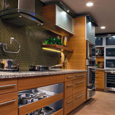 Contemporary Kitchen by Refresh Interiors Design.Com, Inc.