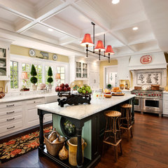 traditional kitchen by Giffin & Crane General Contractors, Inc.