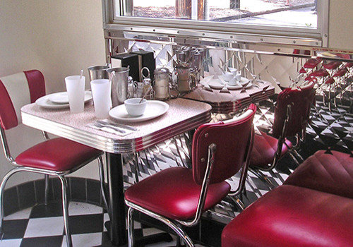 Image gallery kitchen decor 50s diner for Diner style curtains