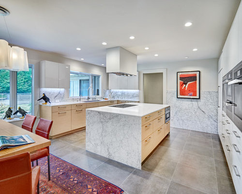 Large Contemporary Eat In Kitchen Inspiration   Example Of A Large Trendy U  Shaped